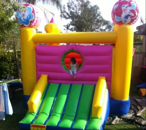 MINI PINK PRINCESS 3.5X3.5 JUMPING CASTLE AGES 3 TO 12